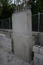 Photo: Juillet 2011: bétonnage des voiles sur la façade arrière