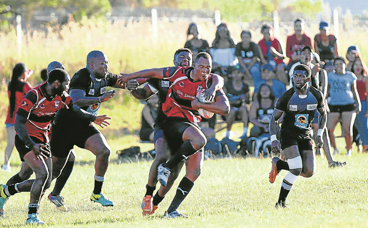 Ntlaza Lions captain Mzimasi Dila (with ball) will be looking to make a valuable contribution to his team when he starts out as lock forward against Black Eagles in the 2018 SuperSport Rugby Challenge festival at Sisa Dukashe Stadium in Mdantsane on Sunday