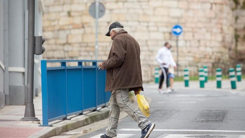 Fumar en la calle seguirá estando permitido en Madrid.