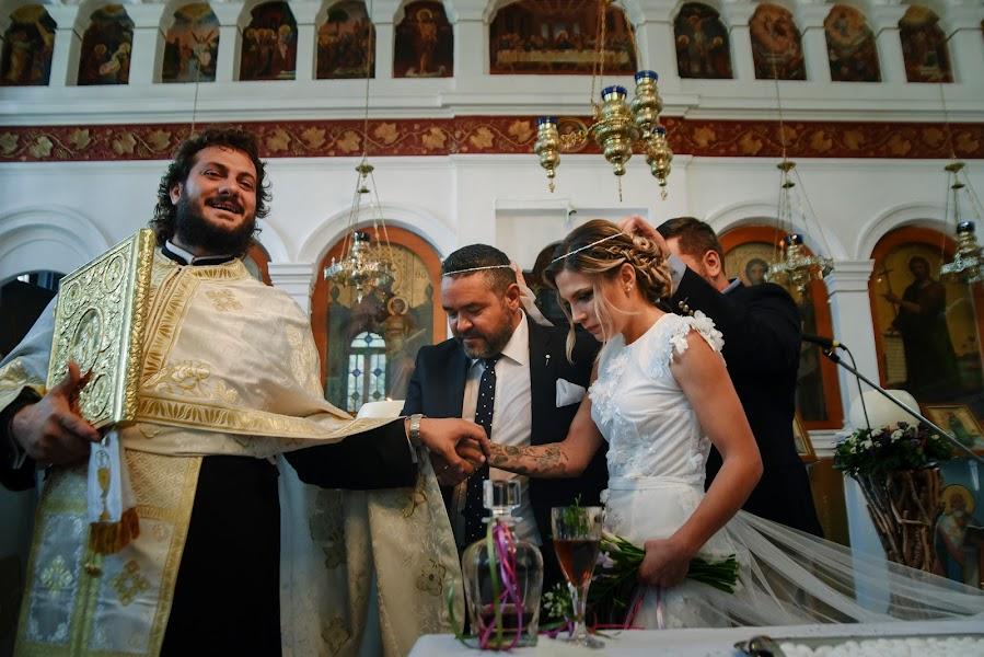 Φωτογράφος γάμων Sam Tziotzios (timenio). Φωτογραφία: 30.09.2017