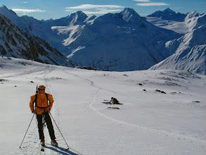 Photo: Frenk, za ním panorama Oetztalských Alp
