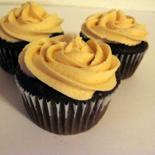 Chocolate Cupcakes with Peanut Butter Mascarpone Frosting