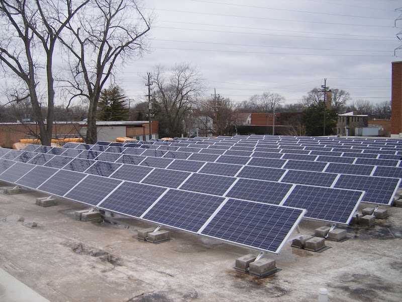 Photo: This solar PV system was installed on the roof of the main warehouse of Lake Line Deliveries located in Evanston, Illinois