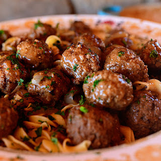 Curb Your Pasta Craving With These Salisbury Steak Meatballs & Garlic Buttered Noodles