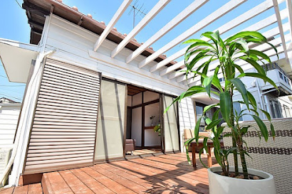 New Caledonia Inspired Seaside House