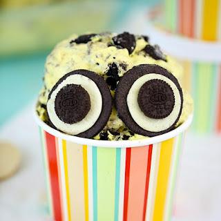 No Churn Minion Ice Cream Recipe (Banana & Oreo)!