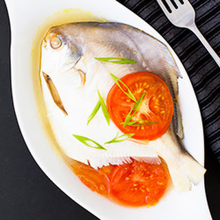 How to Make Fish Pinangat (Fish Soured in Calamansi and Tomatoes)