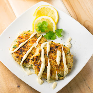 Salmon Cakes with Lemon Aioli