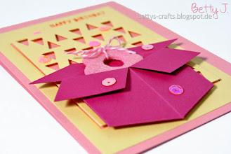 Photo: http://bettys-crafts.blogspot.com/2015/03/happy-birthday-die-zweite.html