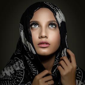 .:: LIGHT OF HOPE ::. by Abie Akbar - People Portraits of Women