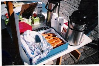 Photo: Azerbaidzanialainen Gylara                                Hasanova leipoi makeaa pahlavaa