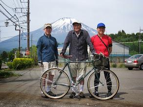 写真: バックの富士山がすごい!