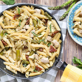 Chicken Artichoke Pasta with Asparagus & Sun-Dried Tomatoes.