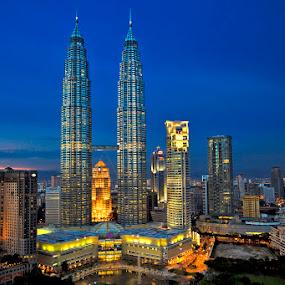 Petronas Towers by Felix Hug - City,  Street & Park  Skylines ( malaysia, petronas towers, kuala lumpur, pwcskylines, Urban, City, Lifestyle )