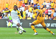 Lebohang Maboe of Mamelodi Sundowns challenged by Willard Katsande of Kaizer Chiefs during the Absa Premiership 2018/19 match between Kaizer Chiefs and Mamelodi Sundowns at FNB Stadium, Johannesburg on 05 January 2019.