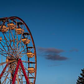 by Michael Mercer - City,  Street & Park  Amusement Parks