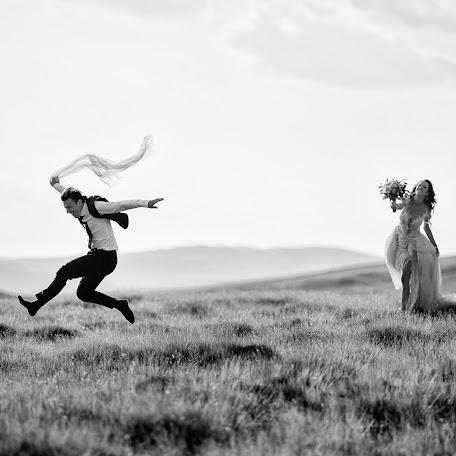 Wedding photographer Marius Barbulescu (mariusbarbulesc). Photo of 14.02.2018