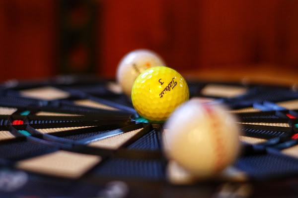 Balls in a wheel  di Mcmelon