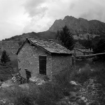 Un borgo di montagna di barbelfo
