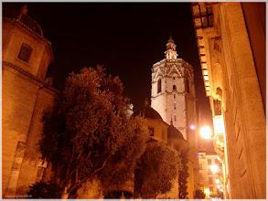 Photo: Vista desde la Plaza de la Reina ( Valencia).www.viajesenfamilia.it/