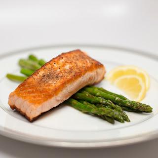 Pan Seared Salmon With Lemon Asparagus.