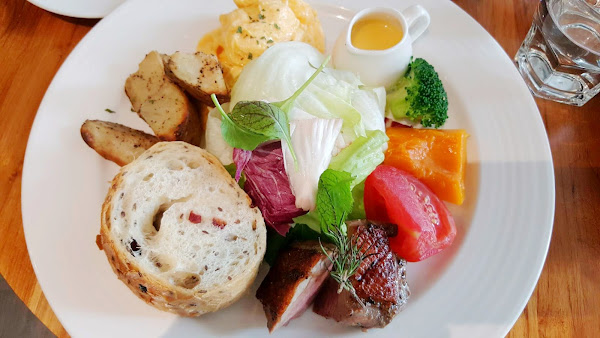 黑浮咖啡 RÊVE Café -高雄人氣質感咖啡廳 豐盛早午餐 義大利麵多種選擇