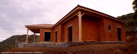 Photo: Chantiers & Constructions en cours  Cabinet d'architecture Kayser Milleliri, Architecte DPLG en Corse à Propriano, Sartene, Olmeto, spécialisé dans les constructions écologiques, économiques et bio climatiques.    Nos cordonnées : 7 Impasse Quatrina, 20 110 PROPRIANO    Tel/Fax : 04 95 23 25 87 ( 00 33 4 95 23 25 87 )    Gsm : 06 60 58 06 25 ( 00 33 6 58 06 25 )    Notre site Internet :  http://www.corsicarchitecture.fr  http://fr.youtube.com/archivini    http://www.facebook.com/corsicarchitecture