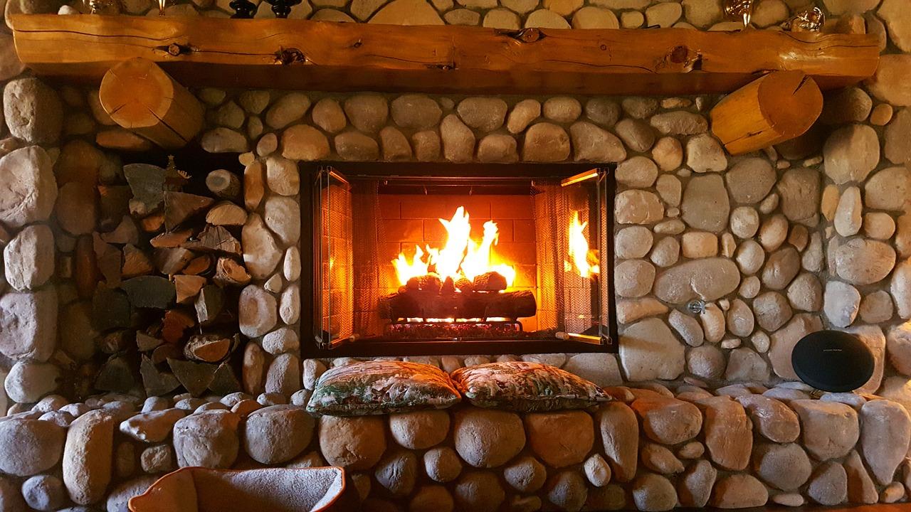 fireplace-1464166_1280.jpg