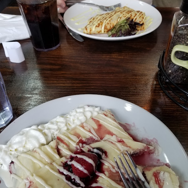 Gluten free(berry) vs non gluten free(one with lettuce) both delish