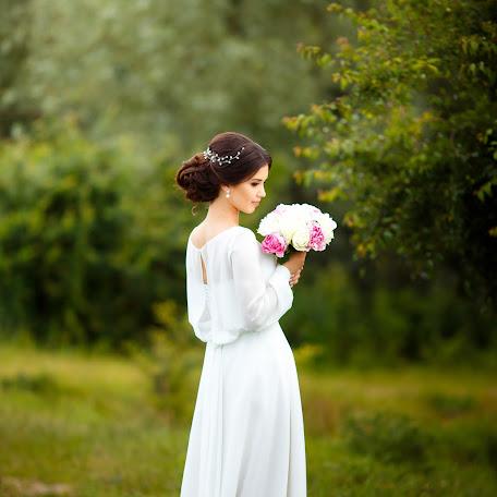 Wedding photographer Margarita Ravlikovskaya (MargaritaRavlik). Photo of 17.06.2016