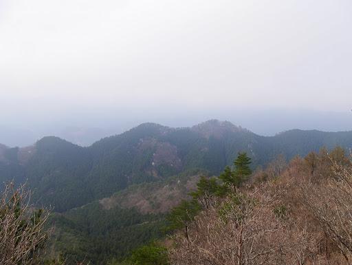 裏から見た屏風岩
