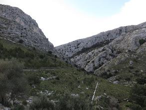 Photo: Bajada por el Torrent d'Almadrà