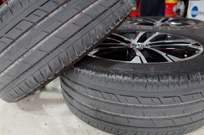 뜯어낸 기존 타이어