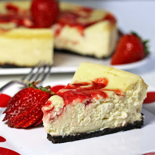 Cheesecake with Strawberry Curd