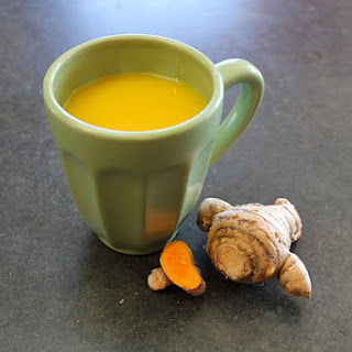 The Best Homemade Dry Cough Remedy based on Sage and Turmeric.