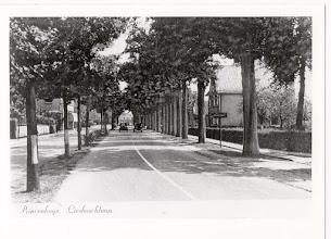 Photo: 1940 Richting Liesbosstraat, rechts een plaatsnaambordje Princenhage.