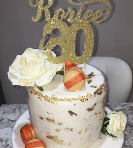 30th white and gold cake