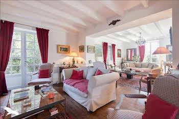 Maison 11 pièces 310 m2