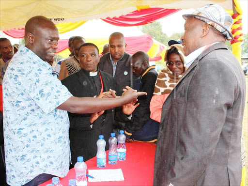 Mathira MP Rigathi Gachagua engages local leaders during a public participation forum on Saturday. /EUTYCAS MUCHIRI