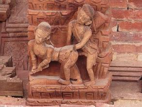 Photo: Erotisch houtsnijwerk op de Jagannath tempel op Durbar Square.