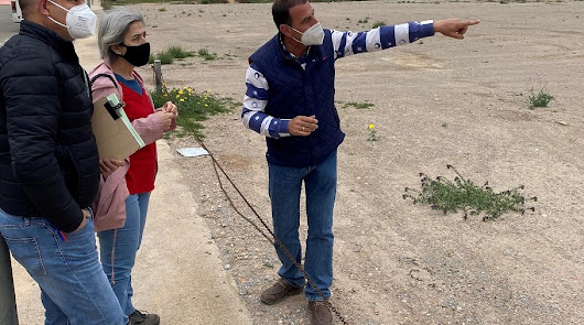 Visita de los técnicos, acompañados por el concejal Pedro Jesús Martínez.