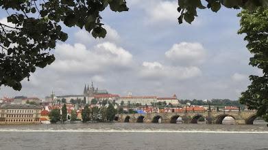 Photo: Blick auf die Karlsbrücke und die Burg
