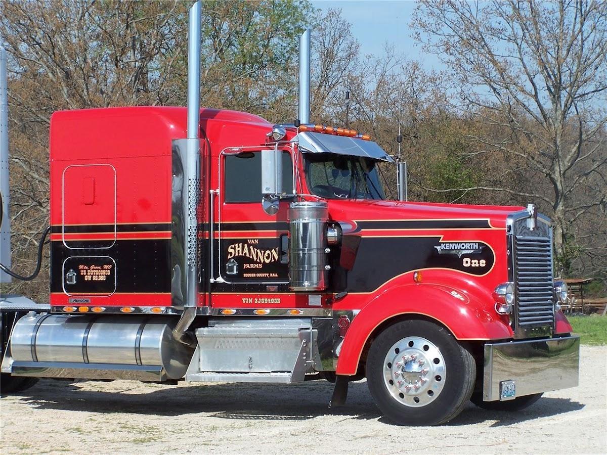 Kenworth W900L Aero Truck-Rodz Hood