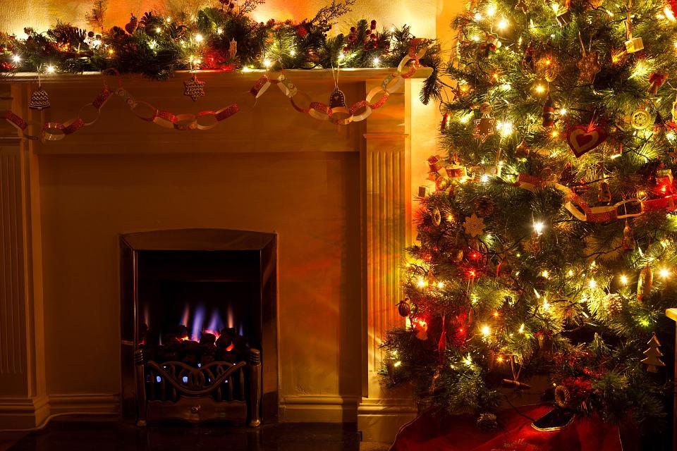 christmas-tree-83121_960_720.jpg