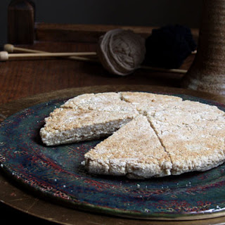 """Jocasta's """"Auld Country"""" Scottish Bannock from Drums of Autumn."""