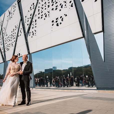 Wedding photographer Pavel Scherbakov (PavelBorn). Photo of 14.02.2018