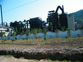 Photo: the facility of a fertilizer fatory near the town Tianzhen, where my elder sisters live.