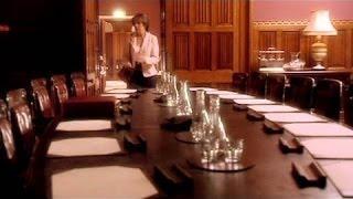 Season 1 - Aliens of London