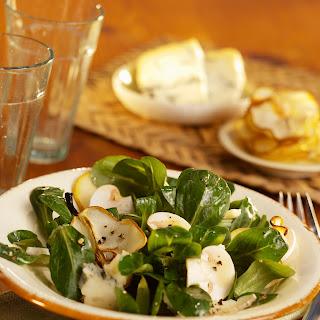 Feldsalat mit Birne und Gorgonzola