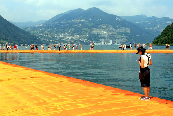 Christo - Walking On Water di MaxFelice